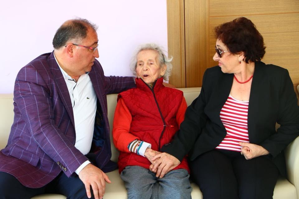 100. yaşını birlikte kutlayacağız