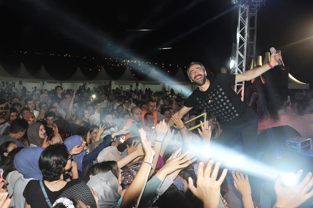 Altınova'da festivale coşkulu kapanış