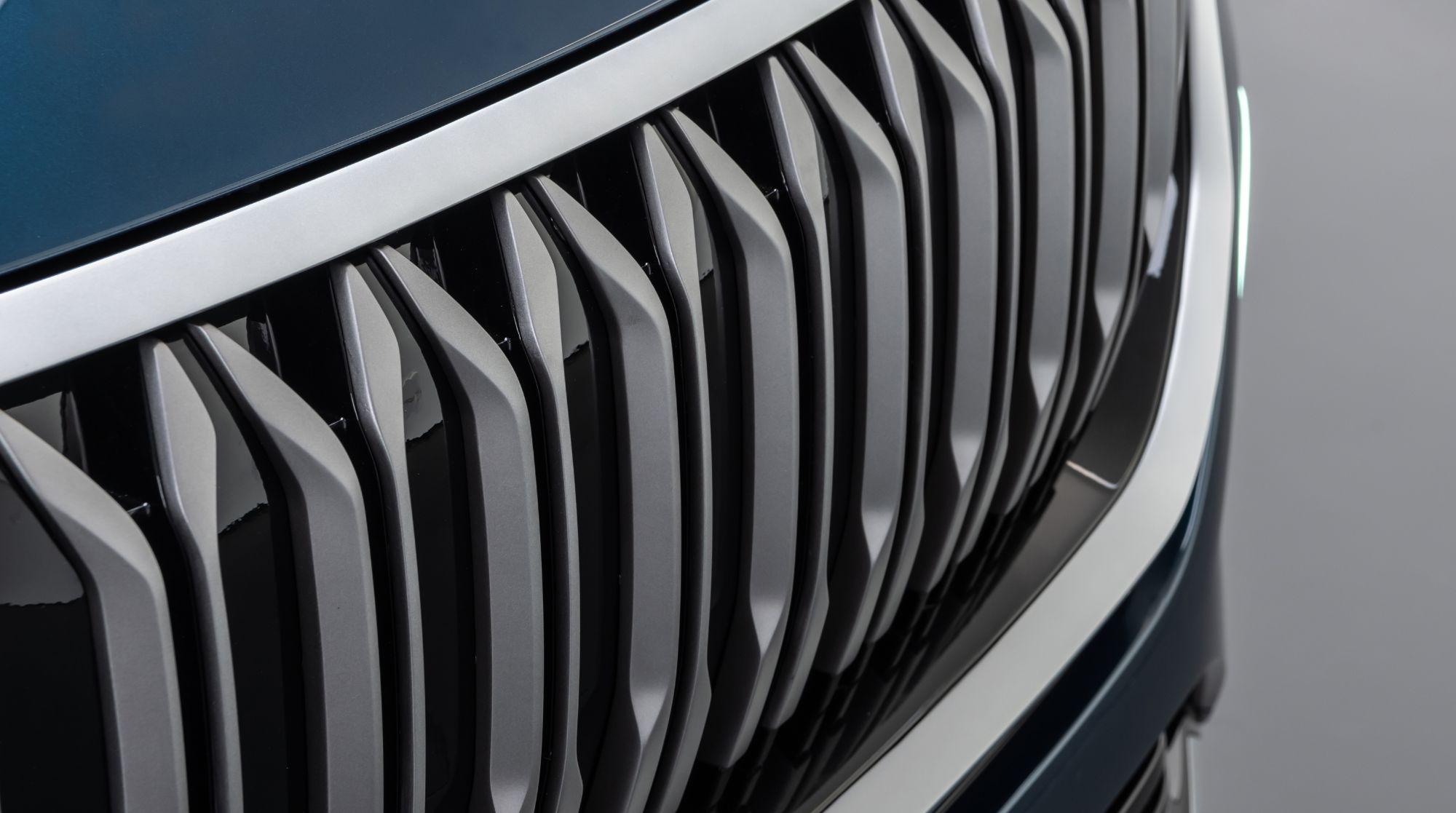 Kullanıcılar, yüksek enerjili Lityum-iyon pil teknolojisinin sunacağı 2 farklı menzil alternatifi arasından ihtiyaçlarına yönelik bir seçim yapabilecek. Türkiye'nin otomobili, 300+ km. veya 500+ km. menzil sağlayan 2 farklı pil seçeneği sunacak ve kullanıcıların kendileri için en uygun olanı tercih ederek otomobillerini konfigüre etmesine olanak tanıyacak.
