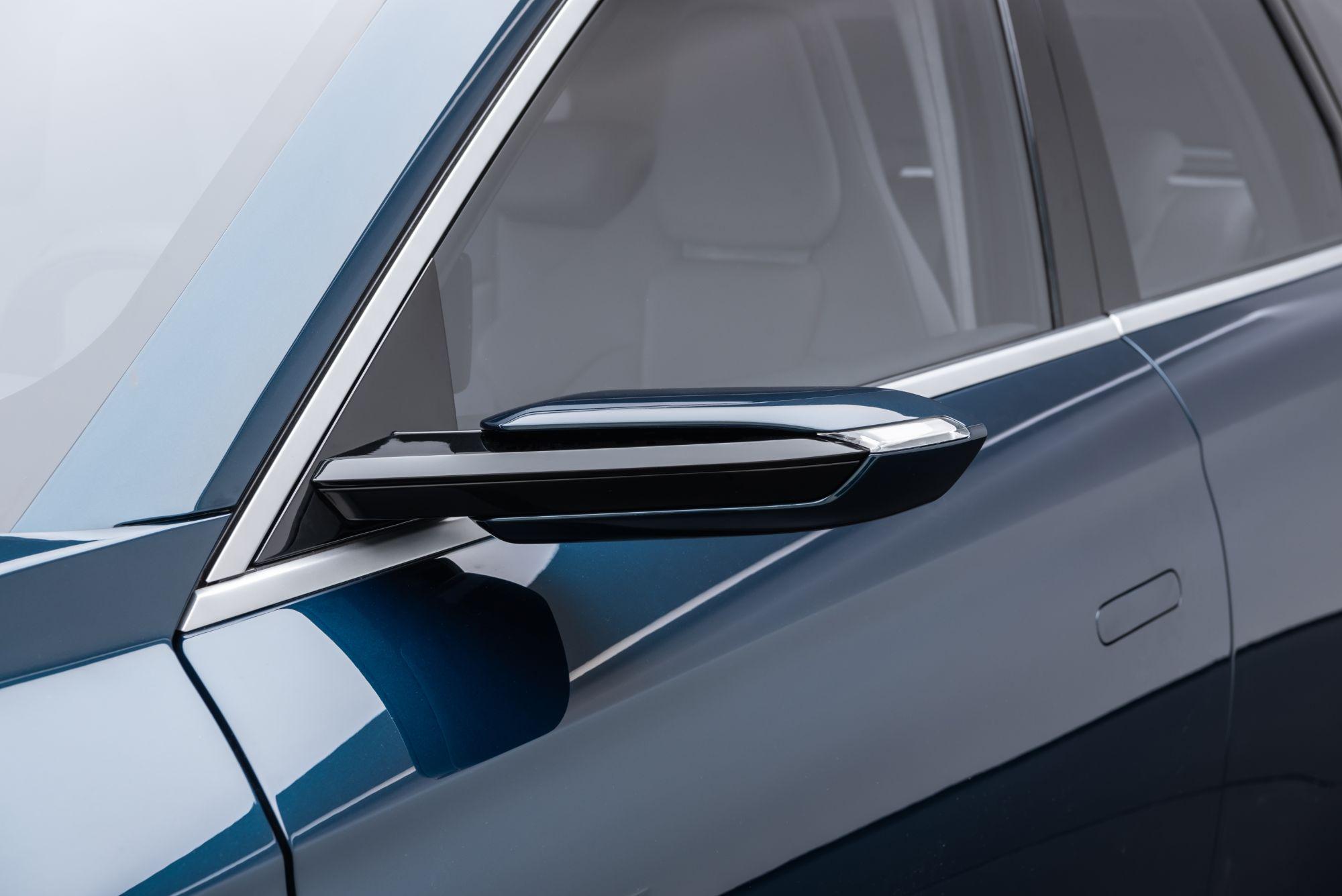 Türkiye'nin otomobilinin kullanıcıları dilerlerse 200 beygir güç sunan tek e-motor ile arkadan çekişli (RWD) versiyonu, veya toplam 400 beygir güç sunan iki e-motorlu tüm tekerleklerden çekiş (AWD) sistemine sahip versiyonu tercih edebilecek.