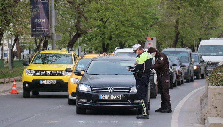 """Yalova'da """"tam kapanma""""nın başlamasıyla sokaklar boş kaldı"""